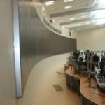 pantallas en mamparas oficina